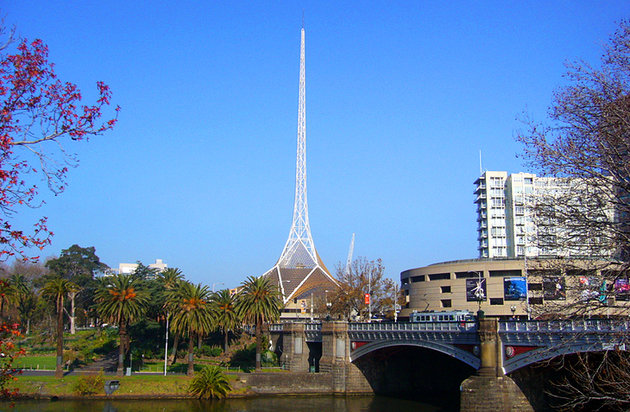 الضفة الجنوبية ومركز فنون ملبورن Southbank and Arts Centre Melbourne
