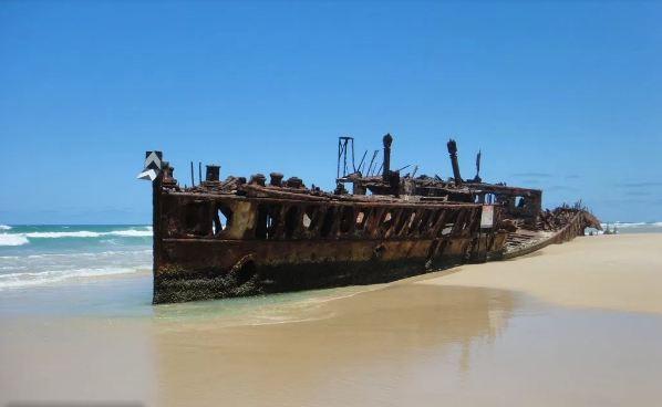 أهم معالم جزيرة فريزر الأسترالية