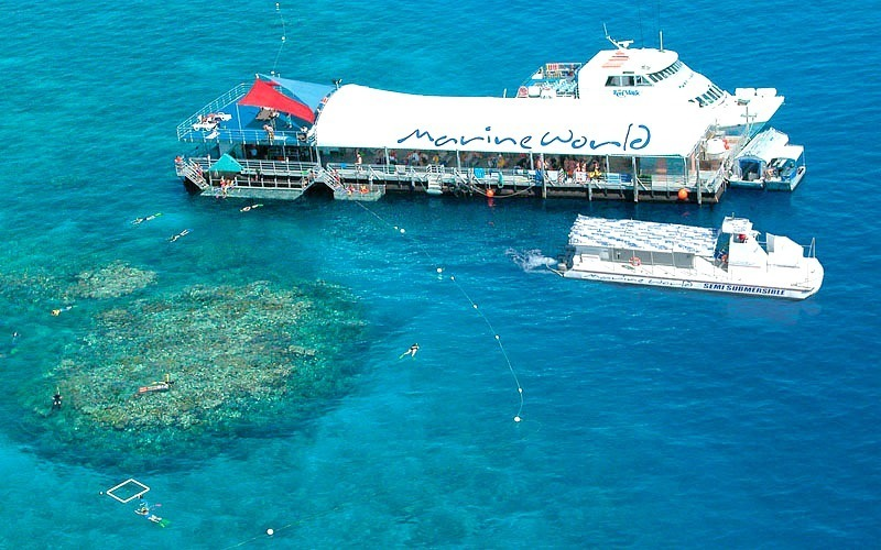 عالم مور ريف البحري Moore Reef