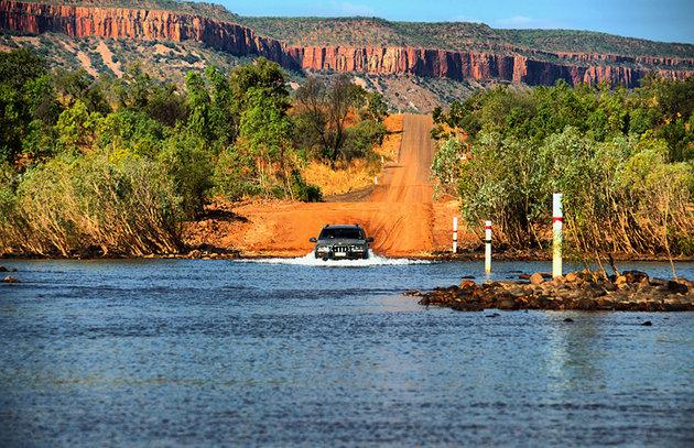 القيادة علي طريق جيب ريفر رود , كيمبرلي - استراليا الغربية
